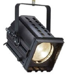 PC ou Fresnel 2K/2.5kw ARENA  Lent: 200mm PHILIPS/SELECON